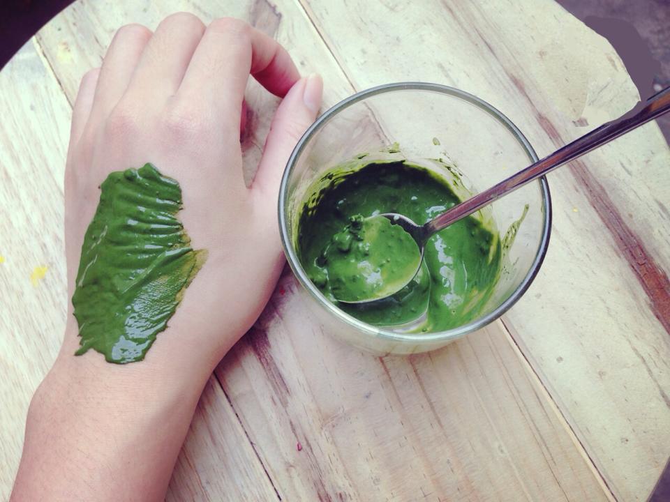 Bí quyết làm đẹp từ tinh chất của lá trà xanh tự nhiên