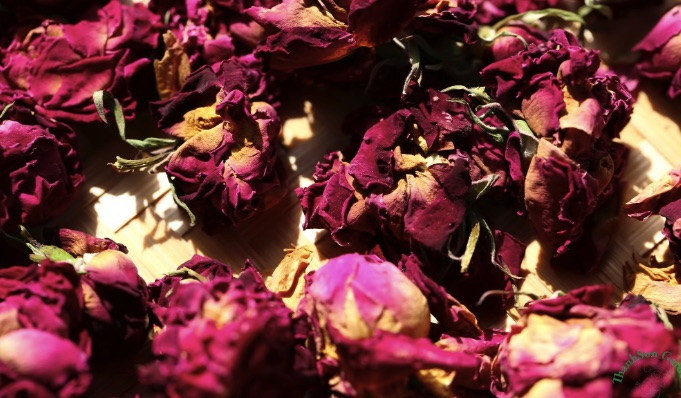 Sấy khô hoa hồng bằng lò hơi